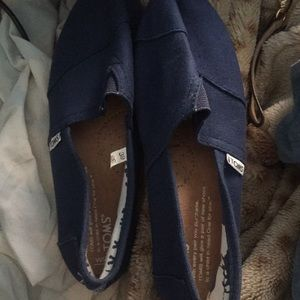 Navy blue Toms new tag never worn